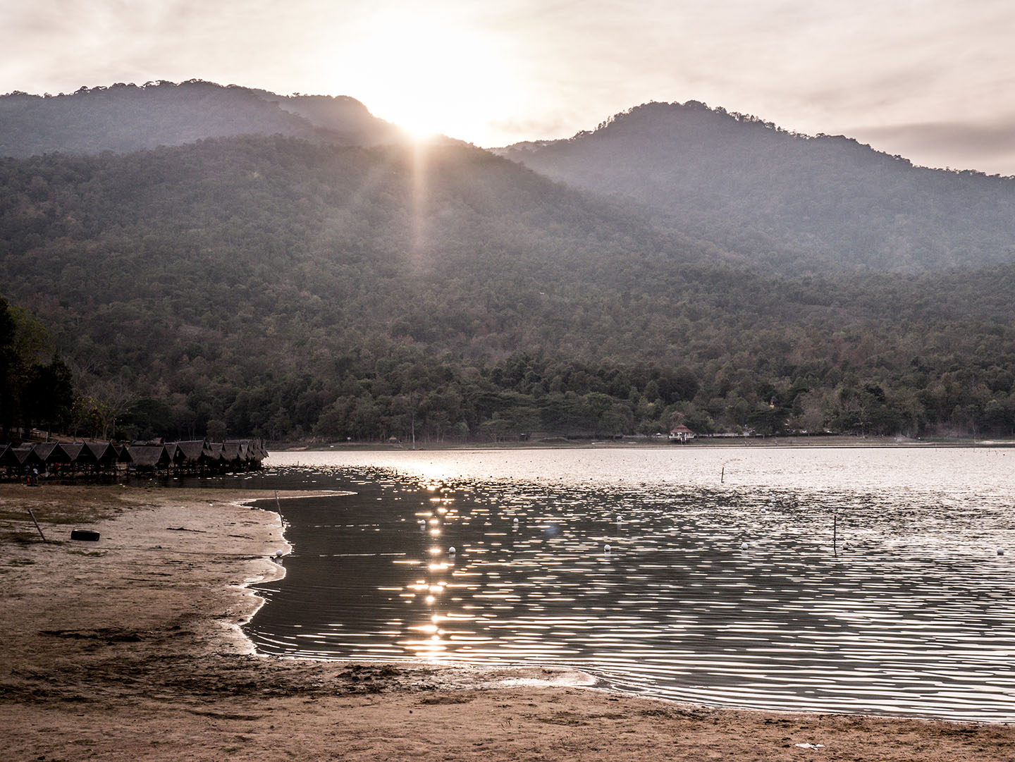 Wish You Were Here: Huay Tung Tao Lake, Thailand - The Luxpats